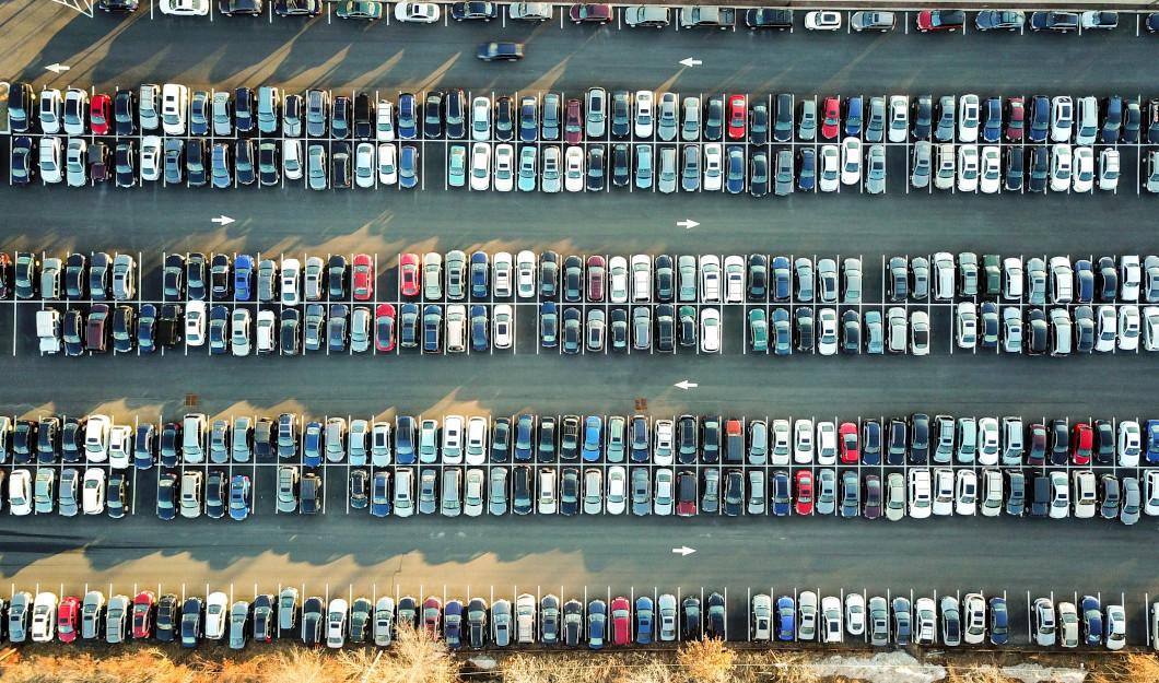 Parkplatz - Quelle: unsplash.com - Omer Rana